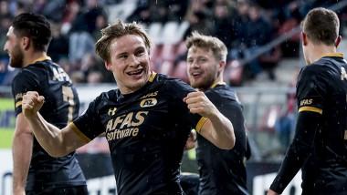 Svensson nadat hij AZ op voorsprong had gezet