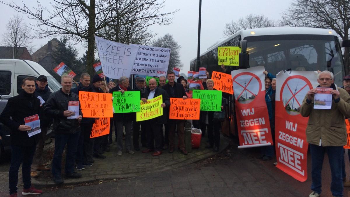 Zwaagdijk vecht voor laatste kans tegen komst windmolens: 'We zijn het afvoerputje van de provincie'